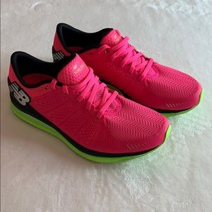 New Balance Women's Fuel Cell stunning Shoes!!